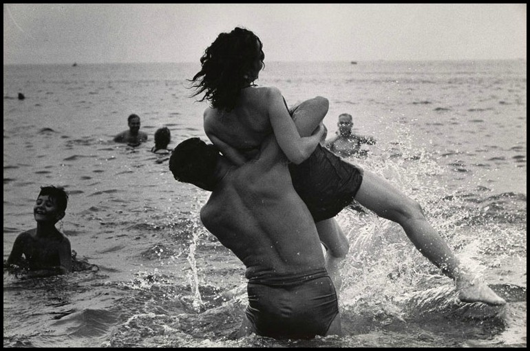 Garry Winogrand. Coney Island